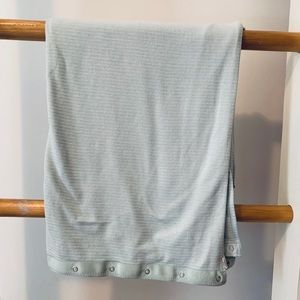 Lululemon scarf with snaps